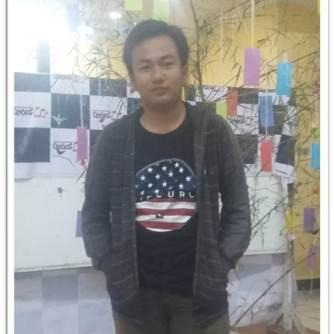 "Fikry Reza Yulyanto (Fikry) 会長. Ketua ASAHI periode 2017. Lahir di Brebes, 15 Mei 1997. ""Hidup harus punya tujuan!"""